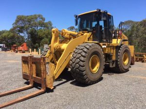 CAT 972H Tool Carrier with attachments